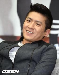 Penyanyi Korea paling cerdas