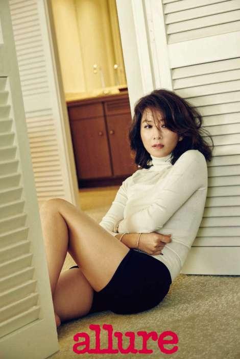 Kim Hee Ae Dalam Majalah 'allure' Januari (3)