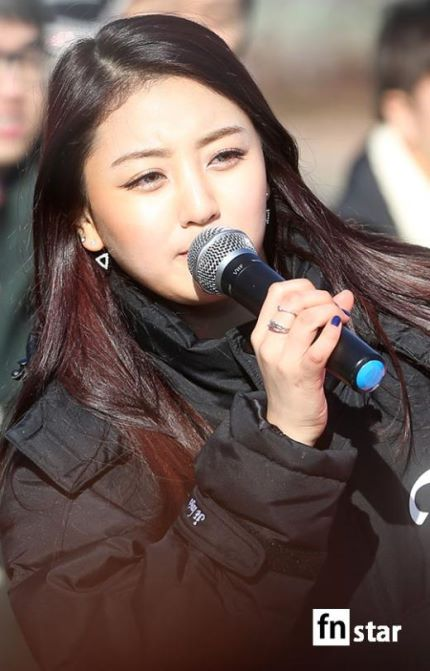 160109 TWICE Mini Fanmeeting @ Music Core (2)