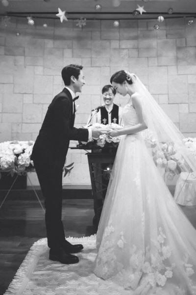 Foto Pernikahan Jung Woo dan Kim Yoo-mi (2)