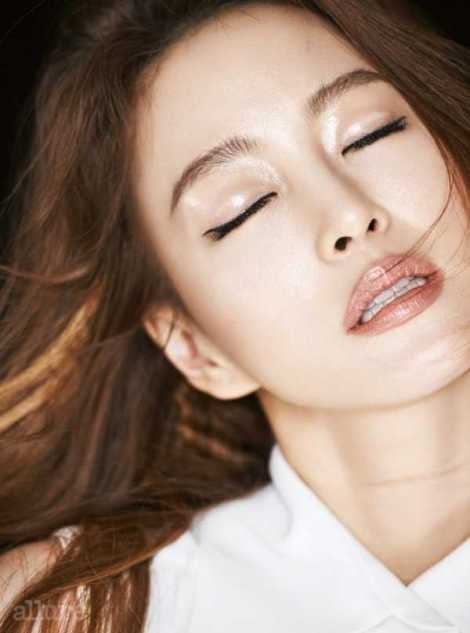 Han Ye Seul Majalah Allure Januari (4)