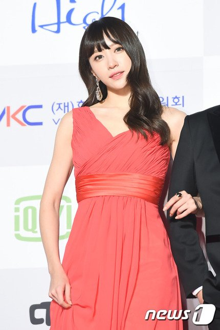 Hani EXID — Seoul Music Awards 2016 (1)