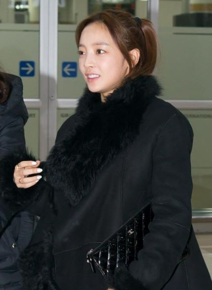 Hara KARA Airport Fashion (3)