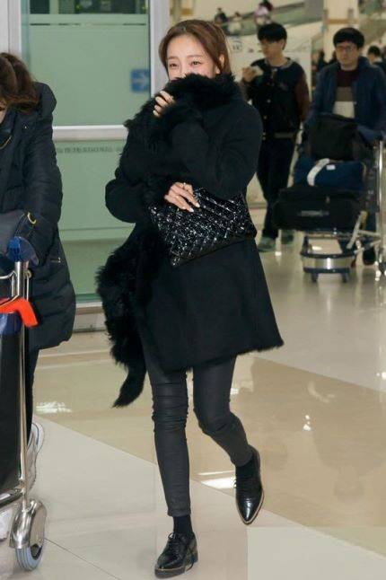 Hara KARA Airport Fashion (5)
