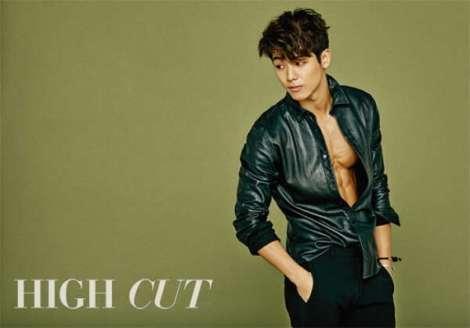 Kang Min Hyuk Majalah HIGHCUT  (1)