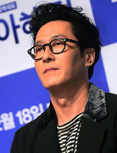 Kim Joo-hyuk saat menghadiri press conference film Like for Likes