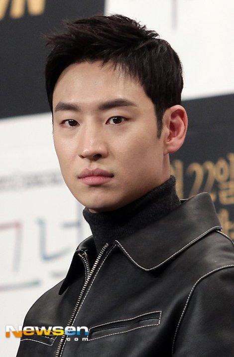 Lee Je-hoon - Pemeran Drama Korea Signal (3)