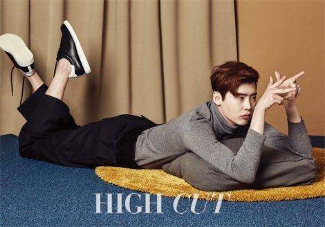 Lee Jong Suk Majalah High Cut Februari (1)