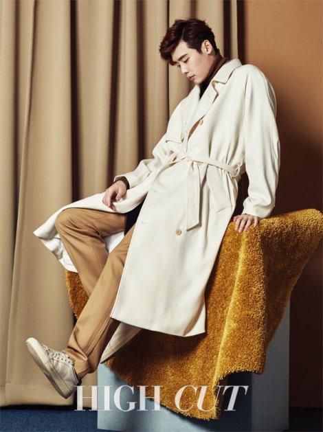 Lee Jong Suk Majalah High Cut Februari (2)