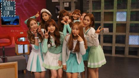 Lovelyz's pretty selfies from After School Club!! (20)