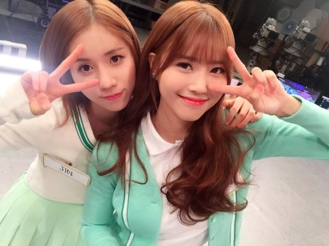 Lovelyz's pretty selfies from After School Club!! (26)