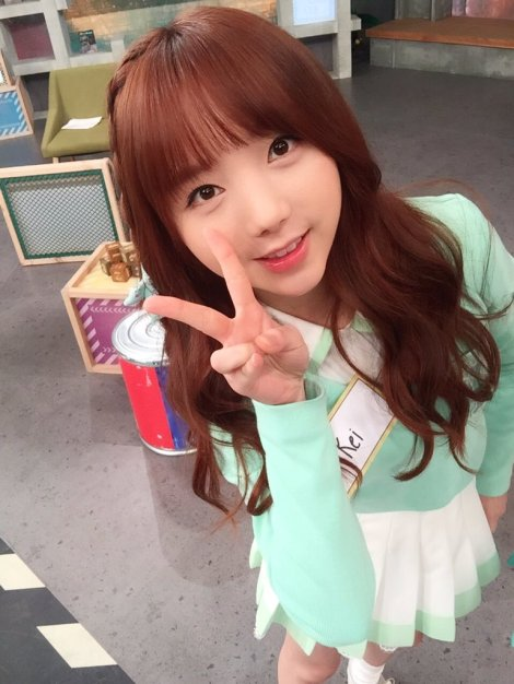 Lovelyz's pretty selfies from After School Club!! (3)