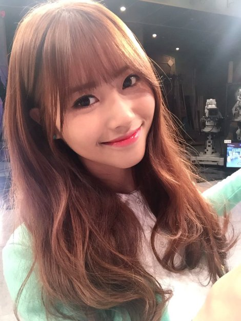 Lovelyz's pretty selfies from After School Club!! (4)