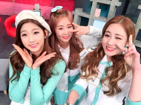 Lovelyz's pretty selfies from After School Club!! (5)