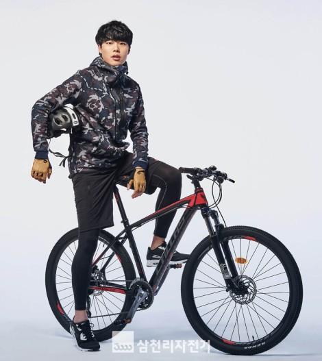 Ryu Jun Yeol Model Produk Samchuly (4)