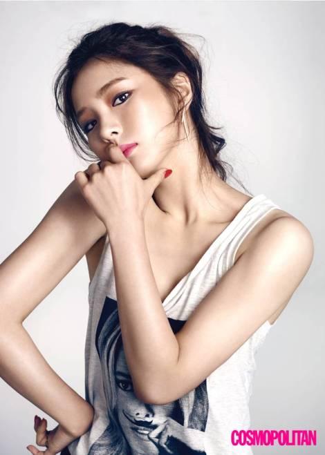 Shin Se Kyung Majalah Cosmopolitan Agustus (3)