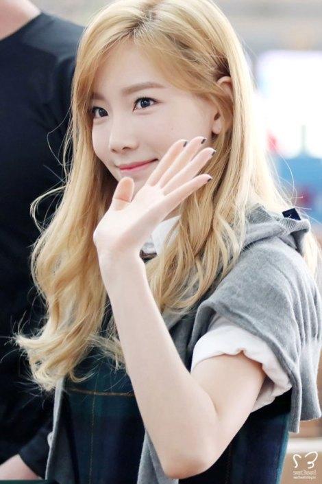 Taeyeon SNSD rambut panjang