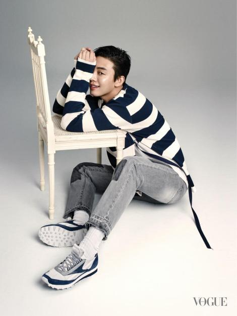 Yoo Ah In for Magazine VOGUE (3)