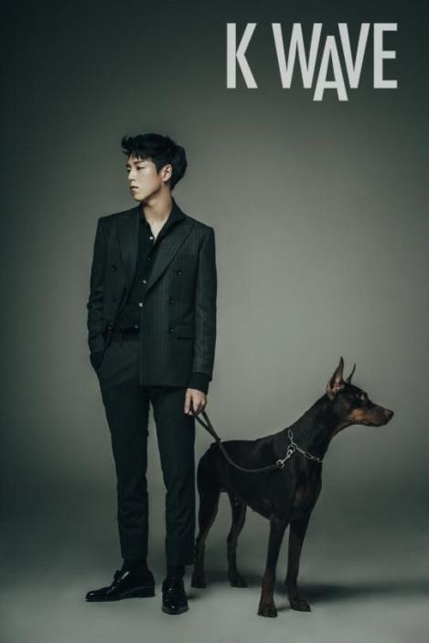 Lee Hyun-woo dalam Majalah KWave (2)