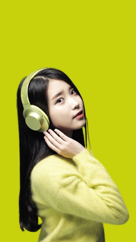 Singer IU For Sony Headphones (1)