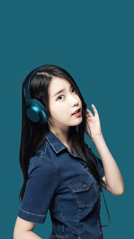 Singer IU For Sony Headphones (2)