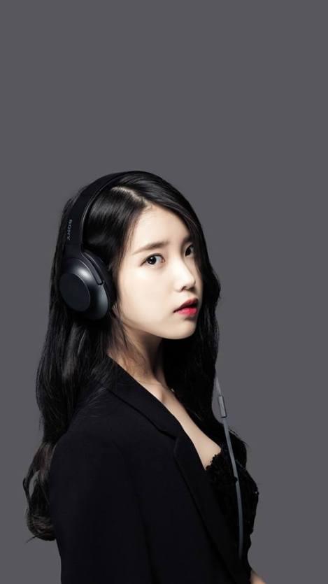Singer IU For Sony Headphones (3)