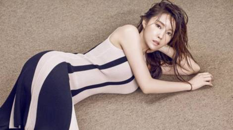 T-ara's Hyomin for Beauty+ March 2016 (1)