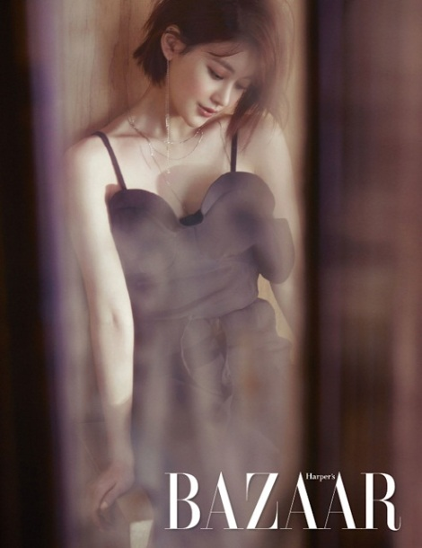 Actress Oh Yeon Seo Photoshoot for 'Harper's Bazaar' Magazine Latest Issue (2)