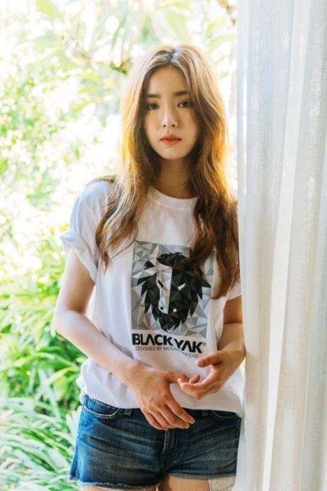 Actress Shin Se-kyung on Pictorial brand Black Yak (3)
