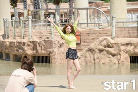 Behind the scenes FIESTAR for Magazine @Star1 June (5)
