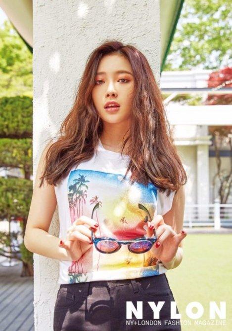 Yura Girl's Day for NYLON Magazine June Issue (1)