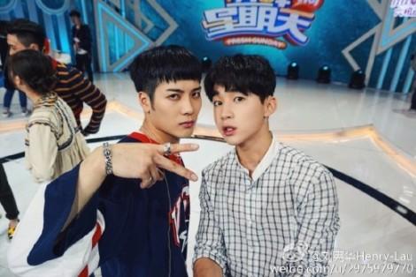 Funny Selfie Jackson GOT7 and Henry Super Junior (2)